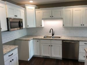 10117 kitchen sink with backsplash
