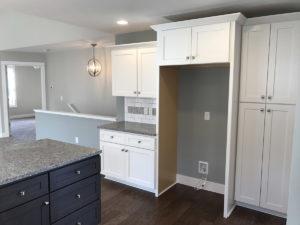10203 Kitchen w pantry